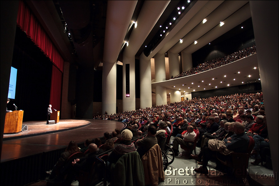 richard dawkins speaking at michigan state university and photographed by brett maxwell